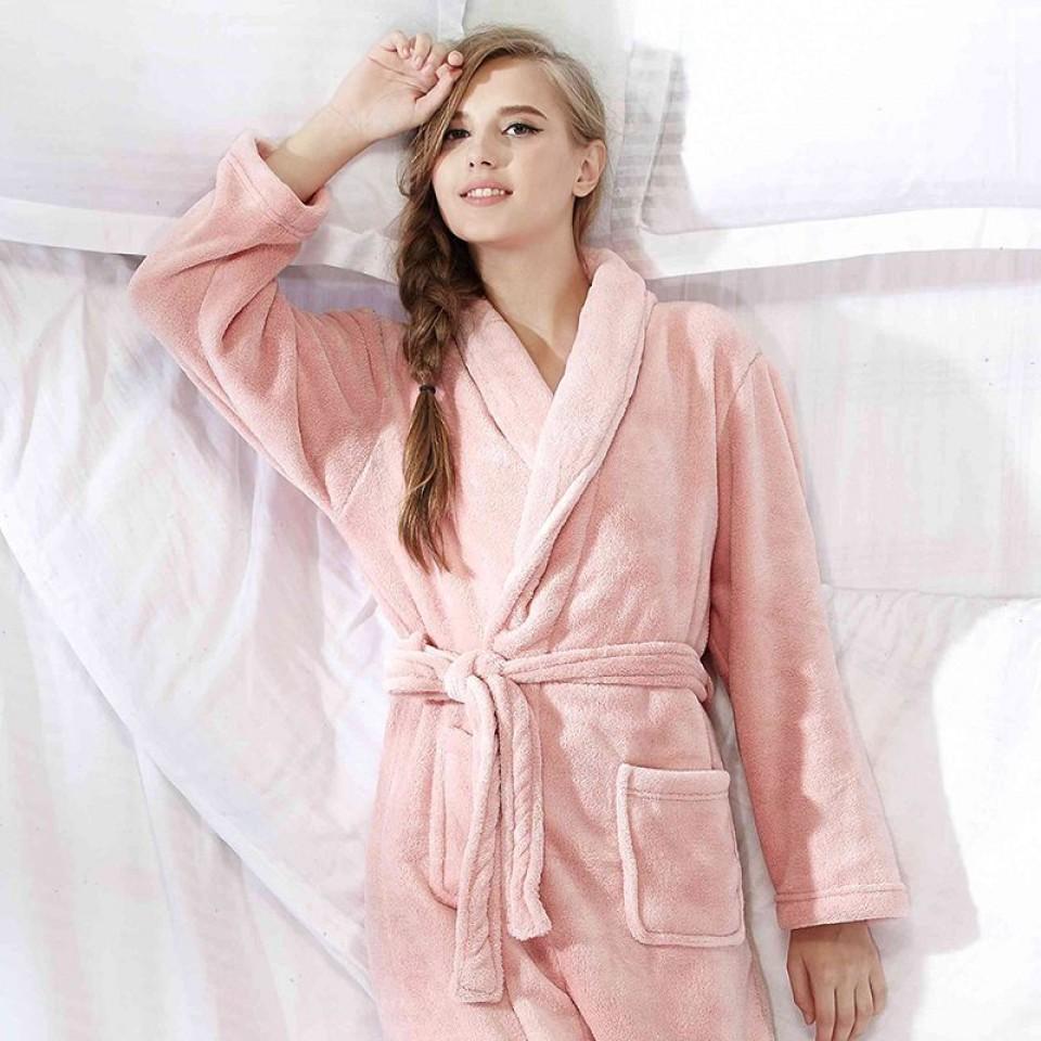 robe de chambre polaire femme elle vous tient chaud toute la saison froide. Black Bedroom Furniture Sets. Home Design Ideas